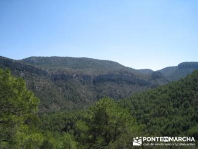 Rutas Alto Tajo - Hundido de Armallones; club de montaña en madrid; bosque de irati rutas